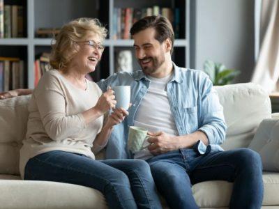 【出会うためには優良サイト利用が絶対条件】出会い系サイトで熟女と真剣交際を期待し出会う方法